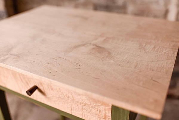 600x403_details_table1_timcoles
