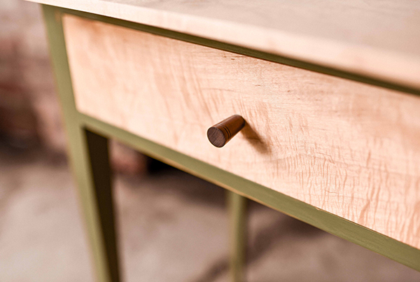 600x403_table2_details_timcoles