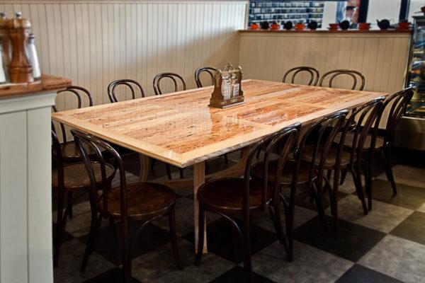 tim_coles_mister_raymond_table-5068